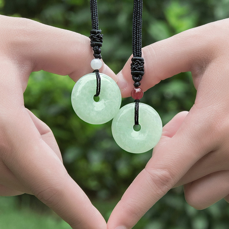 The benefits and taboos of wearing jade